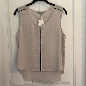 Flirty sleeveless Top with Cutout in Back